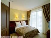 """Отель «Alex Beach Hotel», Люкс 2- комнатный  в концептуальном стиле """"Янтарь"""""""