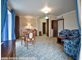 """Отель «Alex Beach Hotel», Люкс 2- комнатный  в концептуальном стиле """"Лазурит"""""""