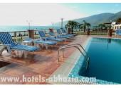 Отель «Alex Beach Hotel», открытый подогреваемый бассейн