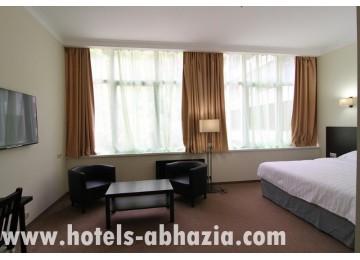 Курортный комплекс «Континент-Гагра» 2-местный 1-комнатный гранд люкс