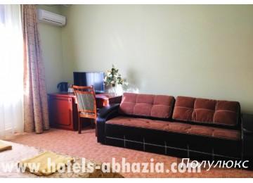 Отель «Вилла Леона» 2-местный полулюкс