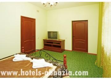 Отель «Вилла Леона» 2-местный 2-комнатный люкс