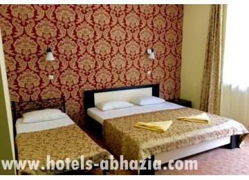 Отель «Вилла Леона» 3-местный стандартный