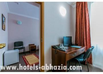 Отель «Анакопия Клаб» 4-местный 2-комнатный семейный (1-3 этаж)