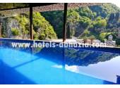 Отель «Гранд Афон», открытый бассейн на крыше