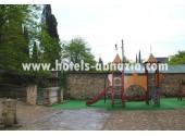 Гостиница «Грифон»,   детская площадка