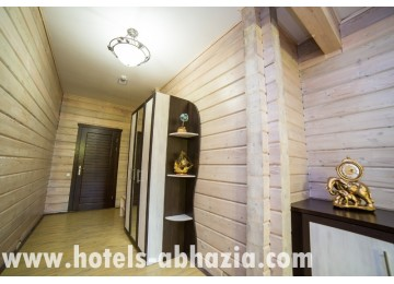 Гостиница «Грифон» Апартамент 4-местный 3-комнатный