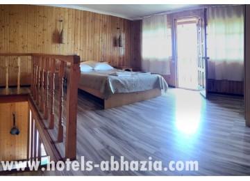 Курортный комплекс «Камарит» 4-местный 3-комнатный номер