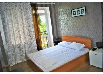 Стандарт 2-местный с двуспальной кроватью и балконом