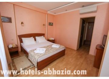 Клубный отель «Дельфин» 2-местный 2-комнатный люкс (sute)