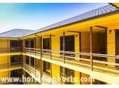 Отель «Duglas» (бывш. Коттеджи на кипарисовой аллее), территория, внешний вид