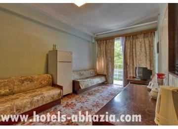 ОП «Курорт Пицунда» 2-местный 2-комнатный люкс